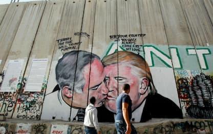 Israele, su muro bacio Trump-Netanyahu