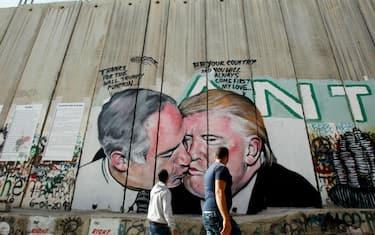 GettyImages-bacio_Trump_Netanyahu2