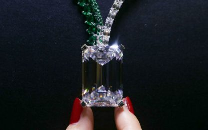 Diamante battuto all'asta per 34 milioni di dollari
