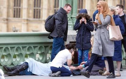 Attacco Westminster: foto della donna musulmana diffusa da troll russo