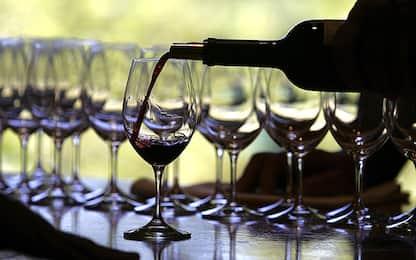 Rissa in un ristorante nel Pavese per il vino troppo caro: 2 feriti