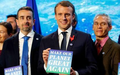 """Clima, Macron: """"Stiamo perdendo la battaglia"""""""