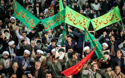 """Nuove manifestazioni in Iran. Ue: """"Perdite di vite inaccettabili"""""""