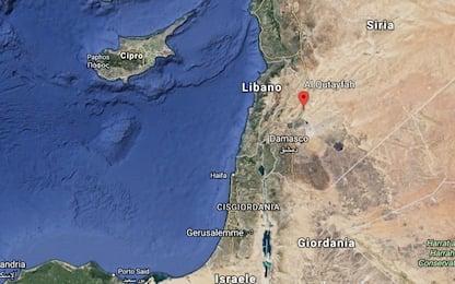 """Siria, esercito: """"Israele ha attaccato deposito armi, jet abbattuto"""""""