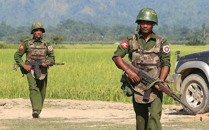 Myanmar, esercito ammette per prima volta il massacro di 10 Rohingya