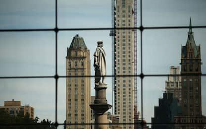 New York, la statua di Colombo rimarrà all'ingresso di Central Park