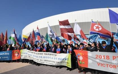 Olimpiadi, le due Coree sfileranno insieme all'inaugurazione