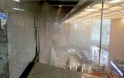 Crollo nell'edificio della Borsa di Giacarta: almeno 77 feriti