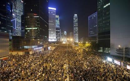 """Hong Kong, nuova condanna per leader della """"protesta degli ombrelli"""""""