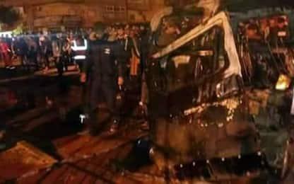 Libia, autobombe davanti moschea a Bengasi, oltre 30 morti e 50 feriti