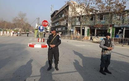 Attentato a Kabul, oltre 100 morti e 235 feriti