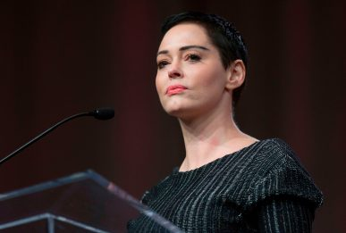 Rose McGowan: prima di Weinstein violentata da un regista premio Oscar