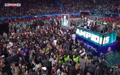 Trionfo Eagles al Super Bowl. Ologramma di Prince emoziona lo stadio