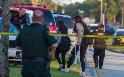 Sparatoria in Florida, killer accusato di 17 omicidi premeditati