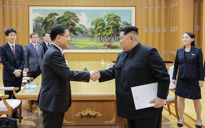 Coree, concordato un summit tra Kim e Moon per fine aprile