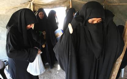 Arabia saudita, l'abito nero non sarà più obbligatorio per le donne