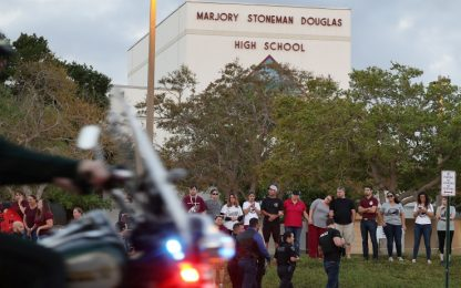 Florida, fermato nella scuola della strage il fratello del killer