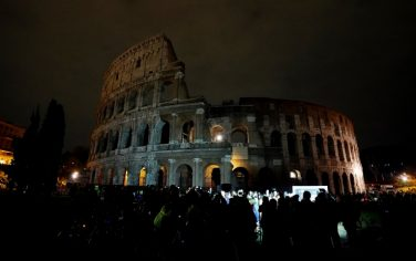 GettyImages_earth_hour_colosseo