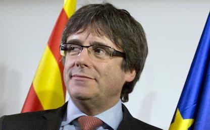 Primo giorno da europarlamentare per l'ex presidente Puigdemont