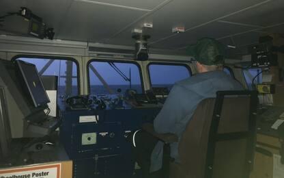 Migranti, diario dalla Seawatch 3: le attese guardando mare e radar