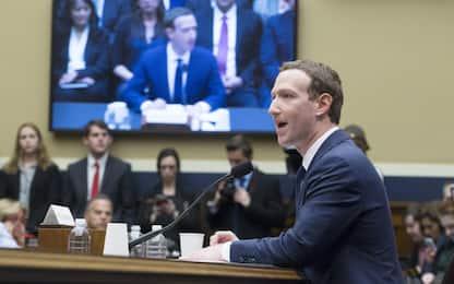 Scandalo Facebook, Zuckerberg: anche miei dati a Cambridge Analytica