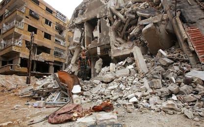Siria, esplode un deposito di armi: 39 morti, ci sono 12 bambini