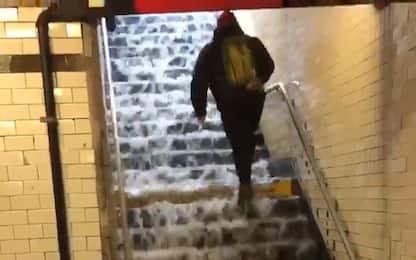 Piogge forti a New York, allagata la metropolitana. VIDEO