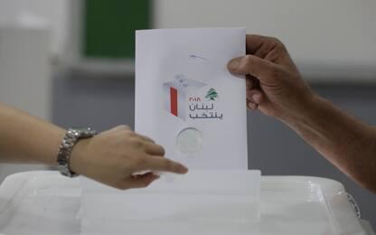 Libano e Tunisia al voto. Gentiloni: democrazie strategiche