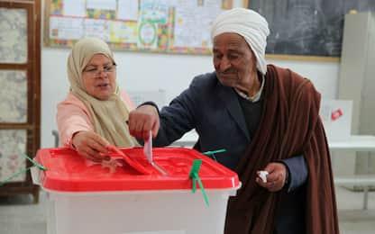 Elezioni Tunisia, crolla l'affluenza: ha votato solo uno su tre