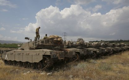 Razzi sul Golan, Israele risponde con raid in Siria
