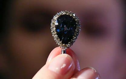 Venduto all'asta il diamante Blu Farnese