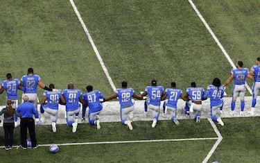 giocatori-football-protesta-ansa1