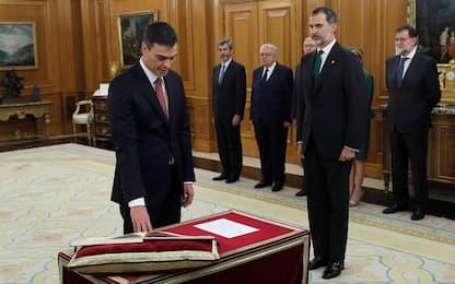 Spagna, il socialista Sanchez ha giurato come nuovo premier