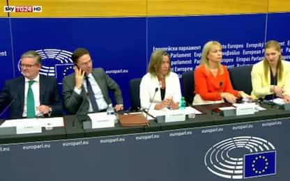Migranti, tensione fra giornalisti e portavoce Commissione Ue. VIDEO