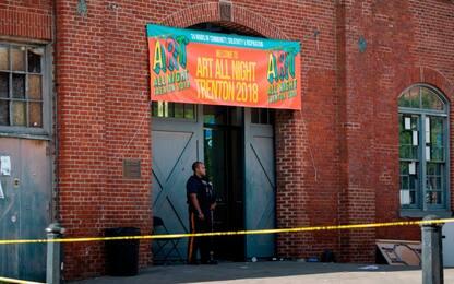 Usa, sparatoria a festival New Jersey, 20 feriti. Ucciso un assalitore