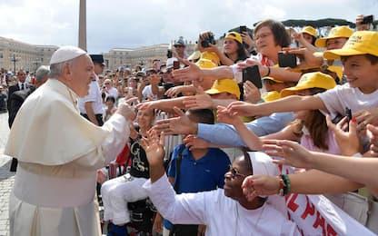 """Migranti, Papa Francesco: """"Servono gesti concreti di solidarietà"""""""
