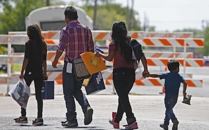 Migranti, Usa: giudice California ordina di riunire famiglie separate