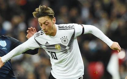 """Germania, partito AfD attacca Ozil: """"Nazionale torni tedesca"""""""