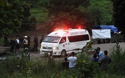 Thailandia, recupero in grotta