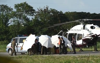 Thailandia: ottavo ragazzo fuori dalla grotta, soccorsi sospesi. LIVE