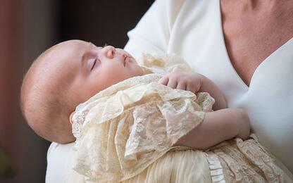 Gb, battezzato il principino Louis di Cambridge. Assente la regina