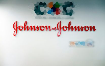 Talco cancerogeno: Johnson & Johnson deve pagare 4,7 mld di dollari