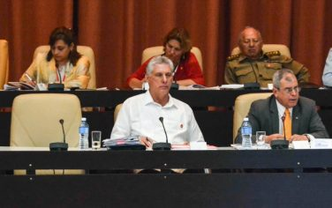 GettyImages-Cuba_voto_costituzione