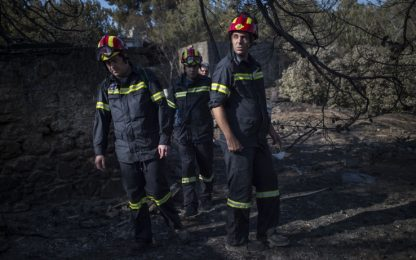 Incendi in Grecia, oltre 90 morti: anche le gemelline disperse