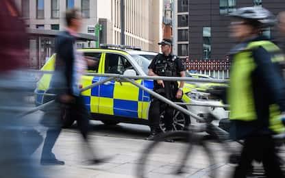 """Spari a Manchester, 10 feriti. Polizia: """"Usata arma ad aria compressa"""""""