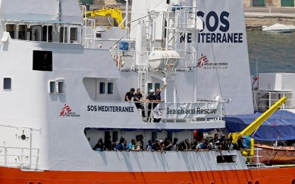 Migranti, nave Aquarius sequestrata per smaltimento di rifiuti