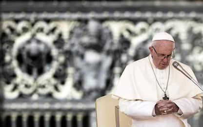 Pedofilia, Papa rimuove vescovo polacco accusato di insabbiare abusi