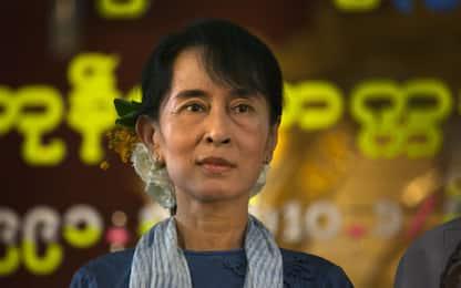 Colpo di stato in Birmania, San Suu Kyi a processo senza avvocato