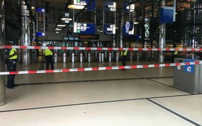 Amsterdam, accoltellamento alla stazione: due feriti