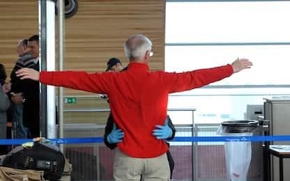 Napoli, coralli protetti in valigia: turista fermato in aeroporto